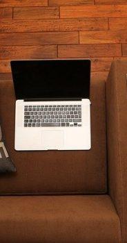 【テレワーク】おうちで揃えたもの・マイク付きイヤフォン、WEBカメラ、パーテーションも